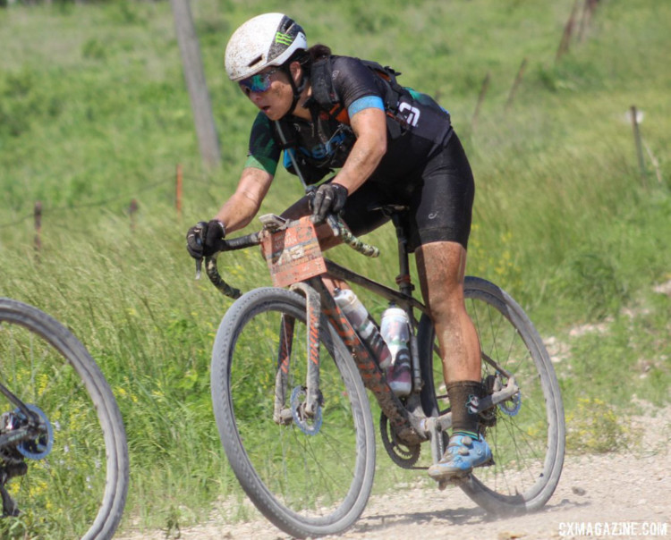 Amanda Nauman paced herself early on to set up for the last 100 miles of the course. 2018 Women's Dirty Kanza 200. © Z. Schuster / Cyclocross Magazine