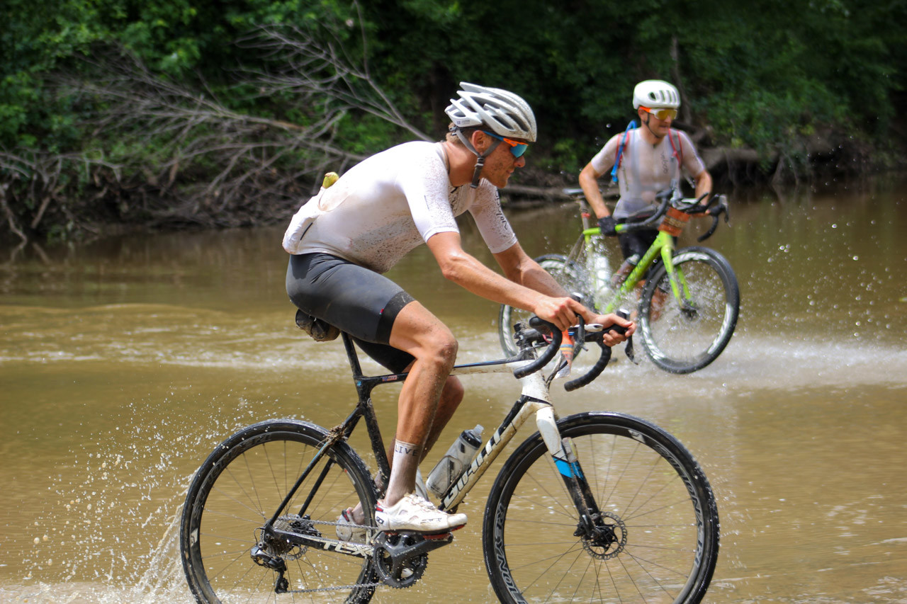 Josh Berry used his cyclocross skills to ride the creek last year. 2018 Men's Dirty Kanza 200. © Z. Schuster / Cyclocross Magazine