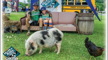The post-race photo booth featured Abel and Bella the pigs and a discarded couch. 018 Hilly Billy Roubaix. © Mike Briggs