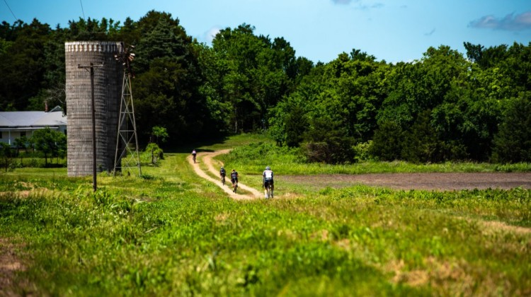 Some of Kansas' gravel roads narrow up and offer only two riding lines. 2018 Dirty Kanza 200. © Ian Matteson/ ENVE Composites