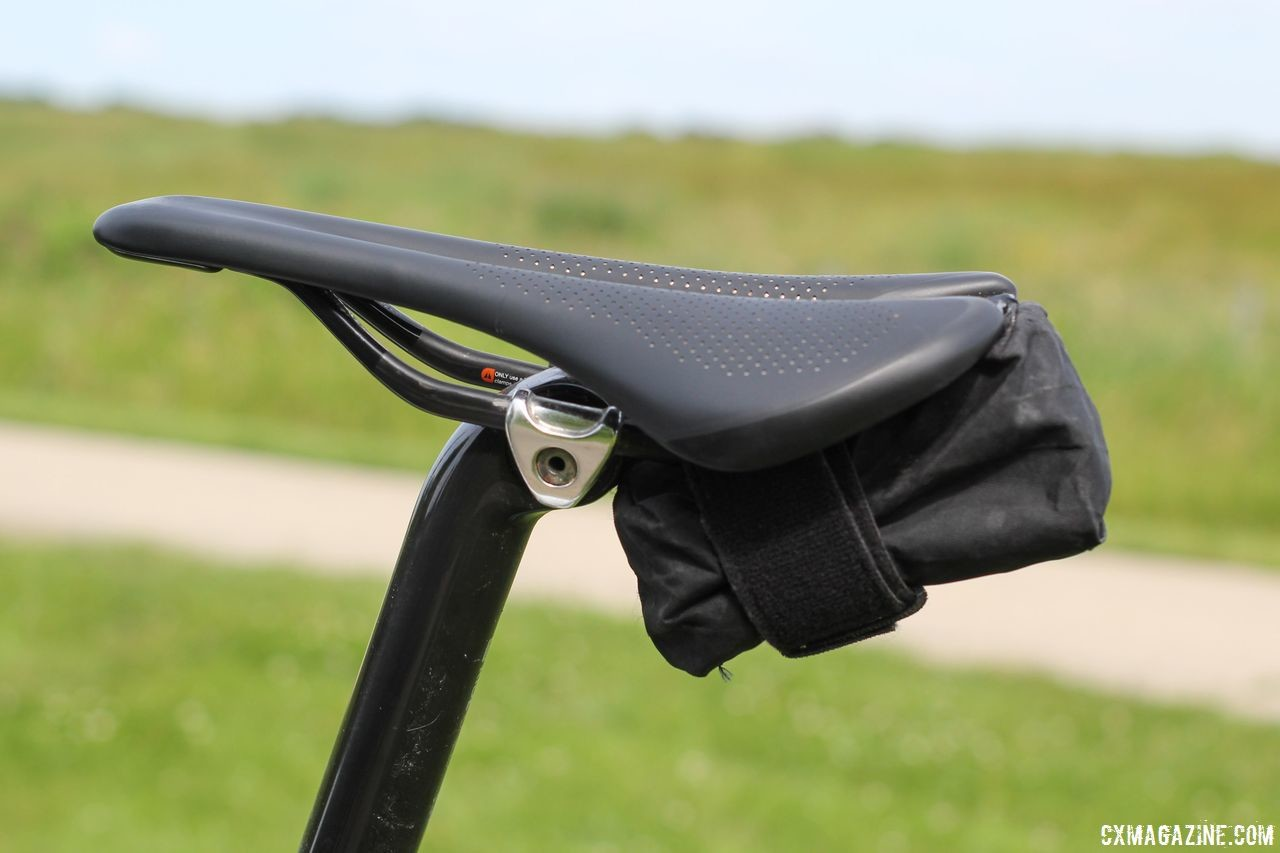The Saddle bag fits under the saddle more securely with one tube versus two. Spurcycle Saddle Bag and Multi-Tool. © Cyclocross Magazine
