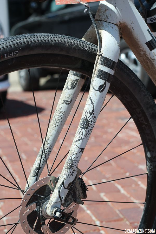 Custom ink done by Trek's David Cestelli adorns the fork on Nys' bike. Sven Nys' 2018 Dirty Kanza 200 Trek Checkpoint. © Z. Schuster / Cyclocross Magazine