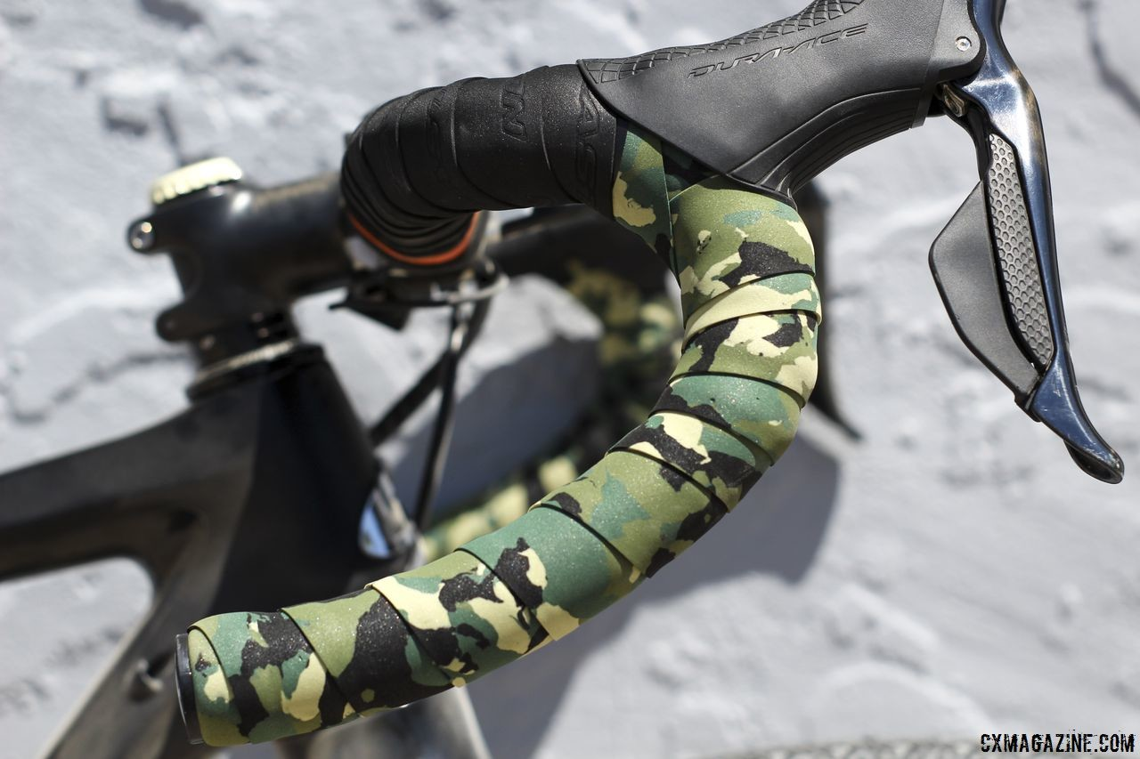 Nauman mixed in some camo bar tape on her drops to complement the Easton black on the tops. Amanda Nauman's 2018 DK200 Niner RLT 9 RDO. © Z. Schuster / Cyclocross Magazine