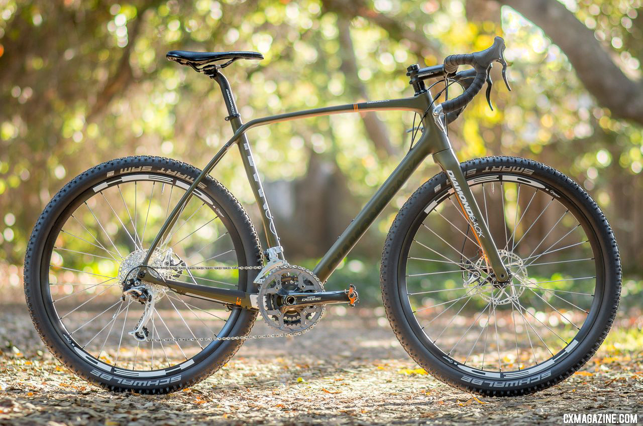 Diamond Back carbon Haanjo EXP, with 650b wheels is an understated machine that sparkles with a unique build. © Cyclocross Magazine
