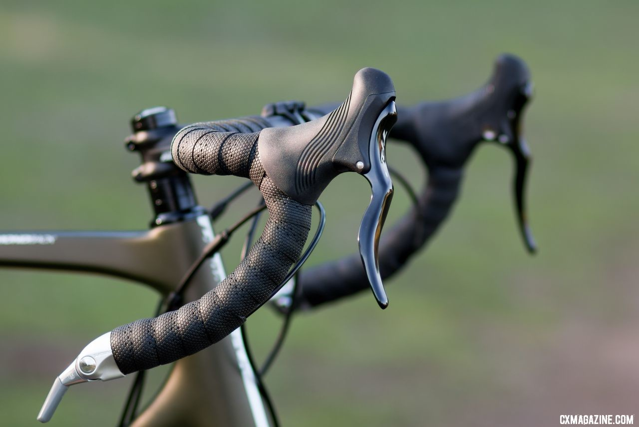 TRP RRL brake levers offer reliable mechanical brake actuation without a shift unit. However, hydraulic brakes would probably be a welcome addition for most riders. Diamond Back carbon Haanjo EXP, with 650b wheels. © Cyclocross Magazine