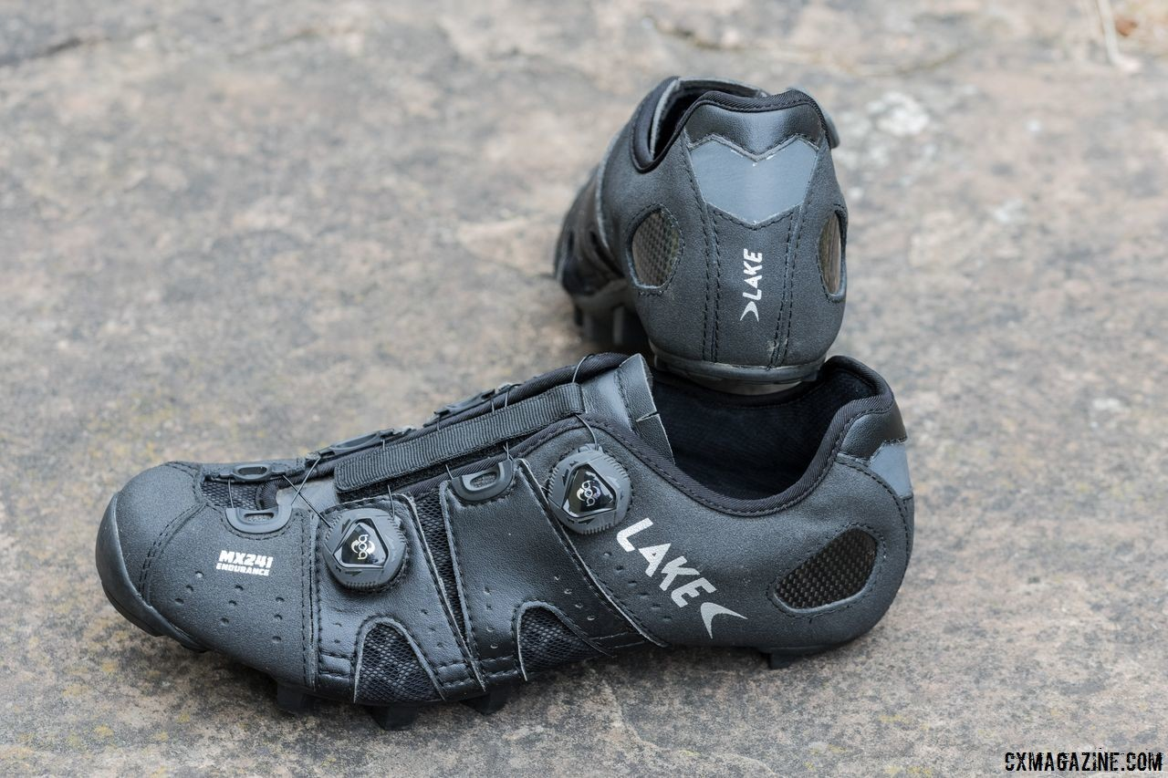 The MX 241 shoes have a heat-moldable heel cup with reflective accents. Lake Cycling MX 241 Endurance Cycling Shoes. © C. Lee / Cyclocross Magazine