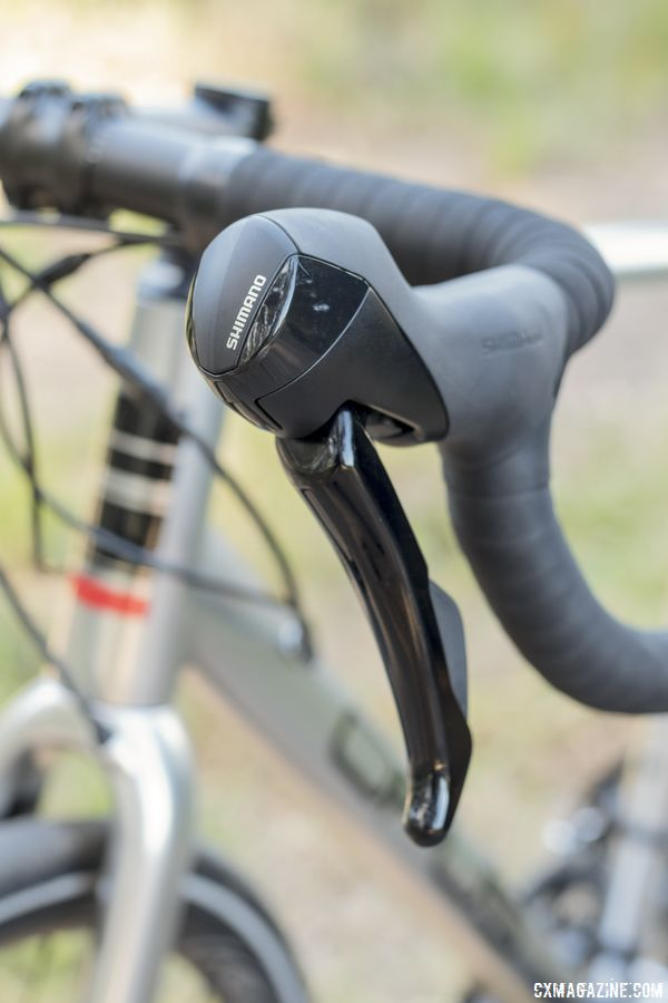 The Shimano RS505 shift/brake levers have a bulbous end and long lever. Opus Spark 1 gravel bike. © C. Lee / Cyclocross Magazine