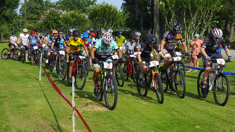 Riders get some holeshot practice in at the first Houston Short Track MTB Series race.