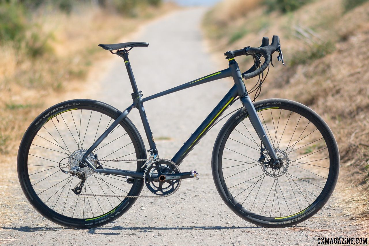 Schwinn Vantage RX1 bike is an effective do-it-all bike or gravel machine available from Dick's Sporting Goods and Amazon for under $1600. © Cyclocross Magazine