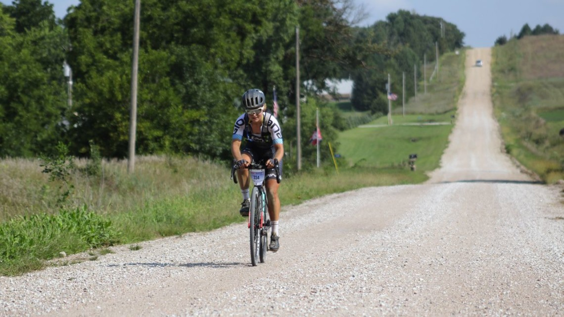 Amity Gregg spent a good amount of Gravel Worlds riding solo. 2018 Gravel Worlds © Z. Schuster / Cyclocross Magazine