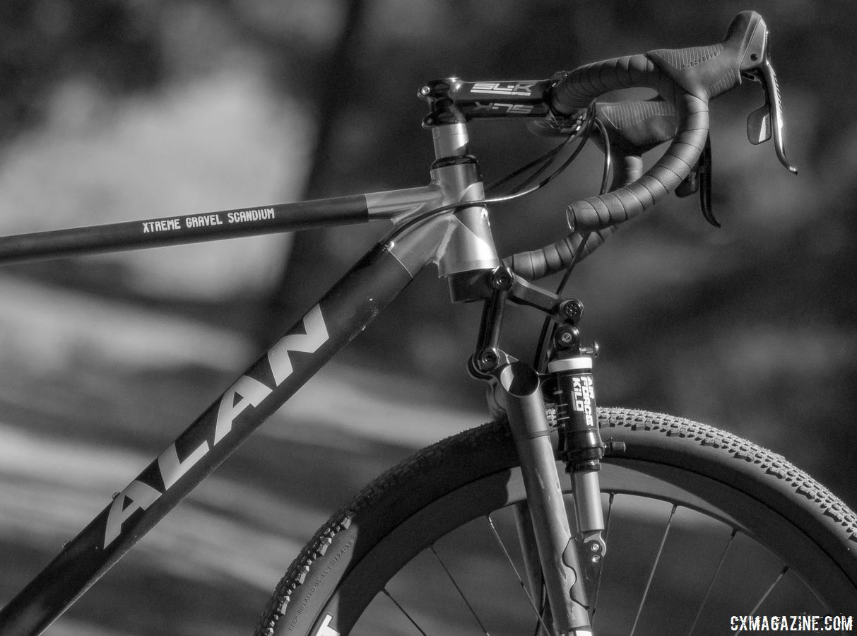 Our test bike came with a Kilo front fork that has 90mm of travel. Alan Xtreme Gravel Scandium with Kilo fork and Alchemist wheels. © Cyclocross Magazine