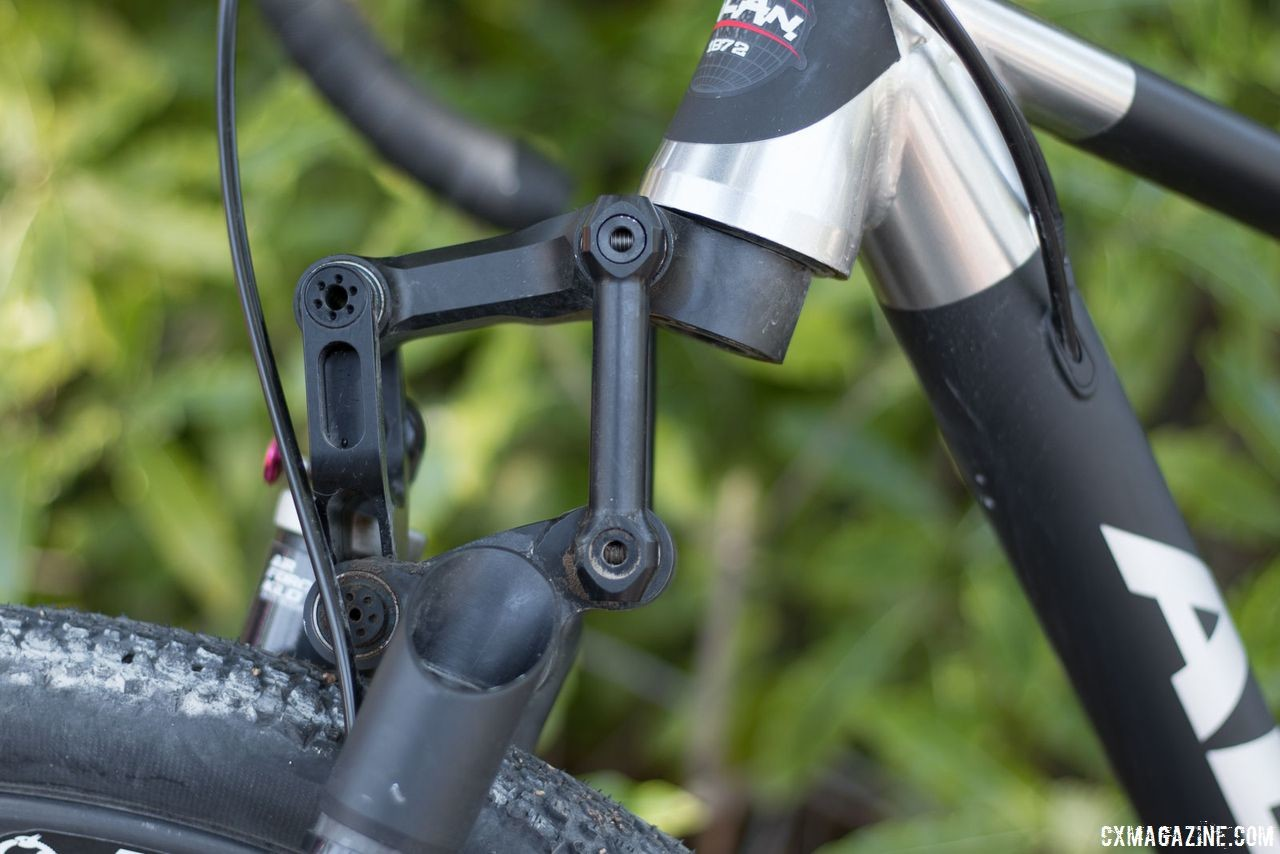 German A calls it a trapezoid, but regardless of the shape, the Kilo #1 fork boasts 90mm of travel and weighs just 1,200g. Alan Xtreme Gravel Scandium with Kilo fork and Alchemist wheels. © Cyclocross Magazine