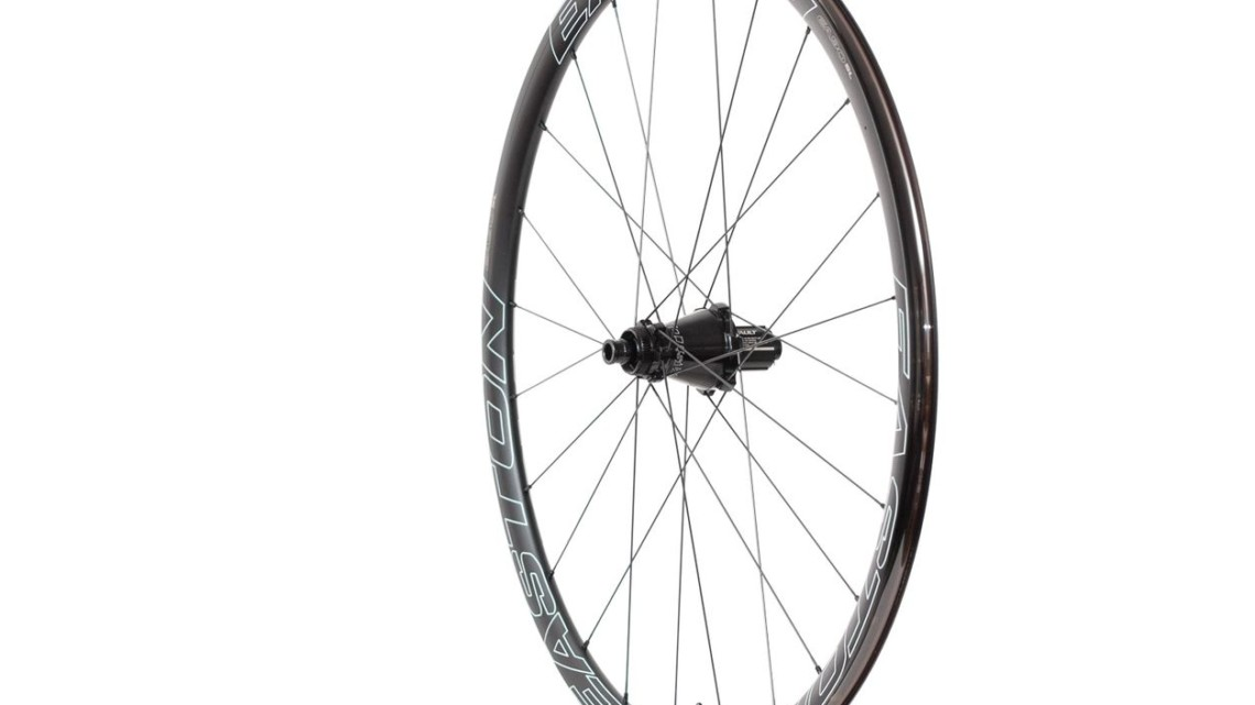 The $900 EA90 SL alloy tubeless clincher wheelset weighs 1,529g and comes with Easton's new cone-shaped Vault hub. Easton EA90 SL alloy tubeless disc wheels. © Cyclocross Magazine