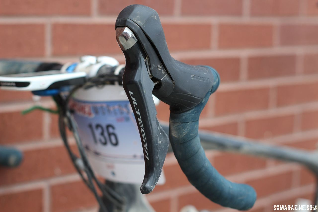 Berry ran Ultegra ST-R8000 shift/brake levers. Josh Berry's 2018 Gravel Worlds Giant Revolt Advanced 0 Gravel Bike. © Z. Schuster / Cyclocross Magazine