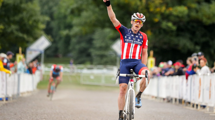 Hyde ouduels Powers on the last lap at the 2018 Rochester Cyclocross Day 2. photo: Bruce Buckley