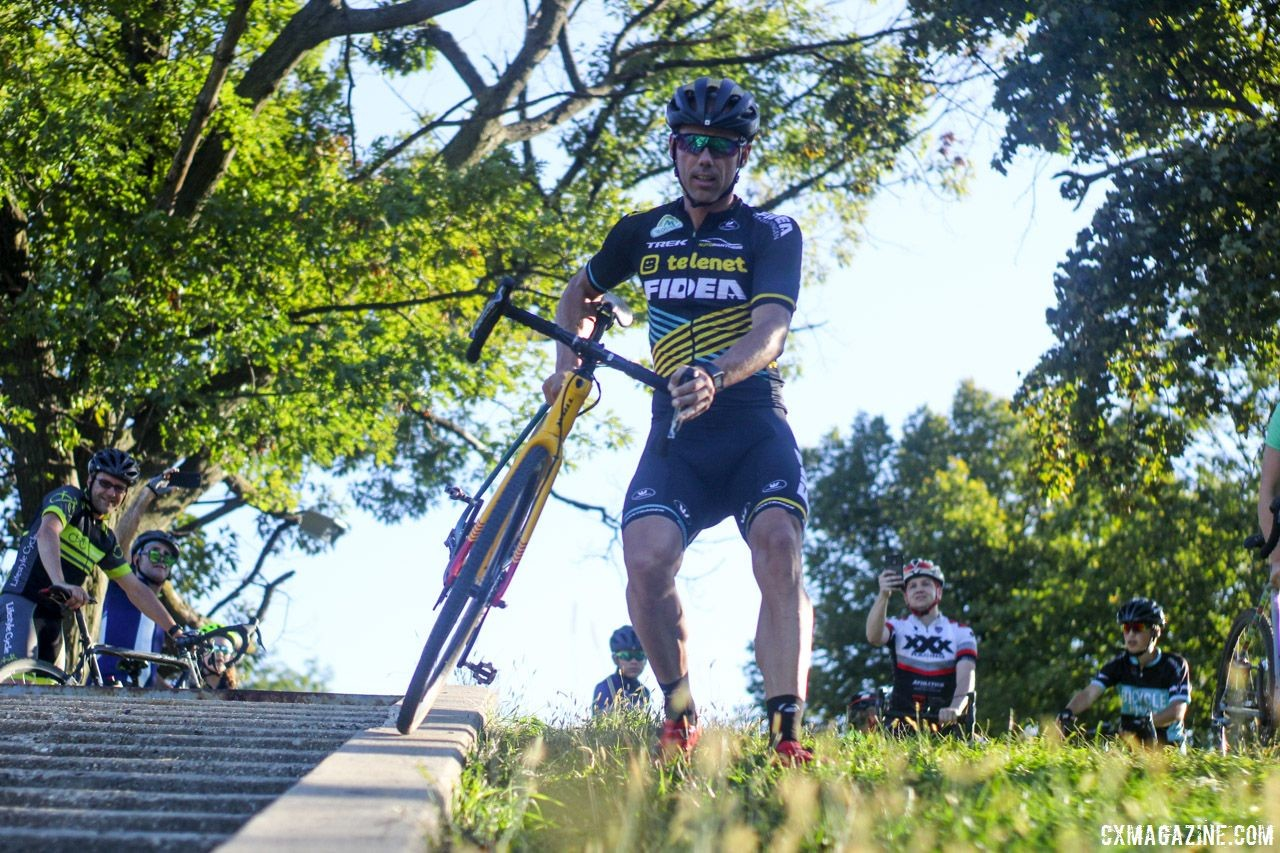 Even Sven was unable to coast down the concrete rail. 2018 Sven-Nado Clinic, Chicago. © Cyclocross Magazine / Z. Schuster