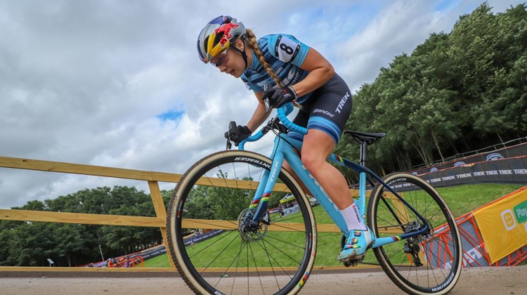 Once Evie Richards got a lead, she went as hard as she could to keep it. 2018 Trek CX Cup, Waterloo © Cyclocross Magazine / R. Clark