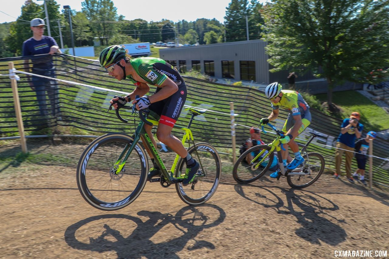 Curtis White and Kerry Werner accelerate over the top of Trek Factory Hill. 2018 World Cup Waterloo. © R. Clark / Cyclocross Magazine