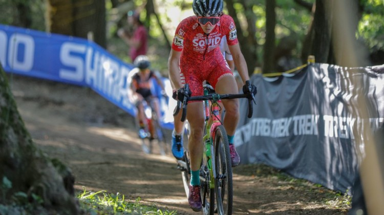 Sammi Runnels heads through the woods. 2018 World Cup Waterloo. © R. Clark / Cyclocross Magazine
