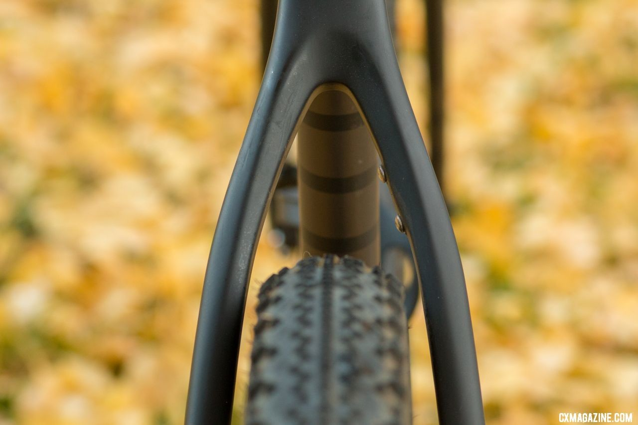 "Ibis Hakka MX cyclocross/gravel bike offers lots of clearance around 27.5 x 2.1"" Schwalbe Thunder Burt tires. © Cyclocross Magazine"