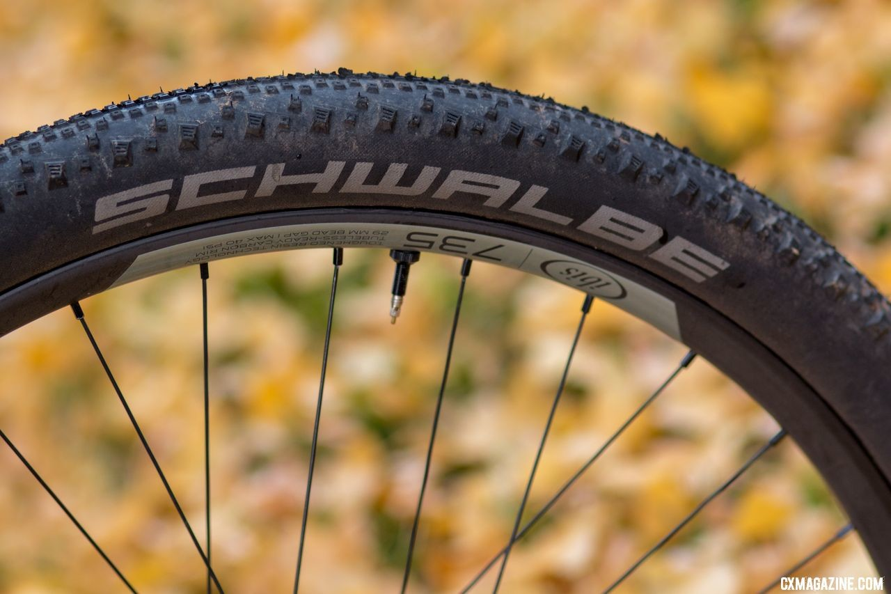 Ibis Hakka MX cyclocross/gravel bike is offered with Ibis' 735 carbon 650b wheels, but there are alloy and 700c wheel options as well. © Cyclocross Magazine