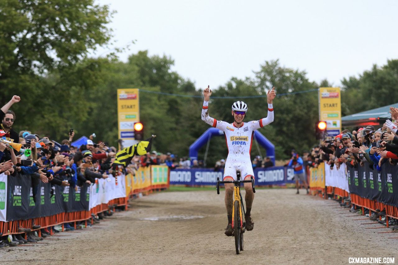 Toon Aerts wins the 2018 Jingle Cross World Cup. © D. Mable/ Cyclocross Magazine