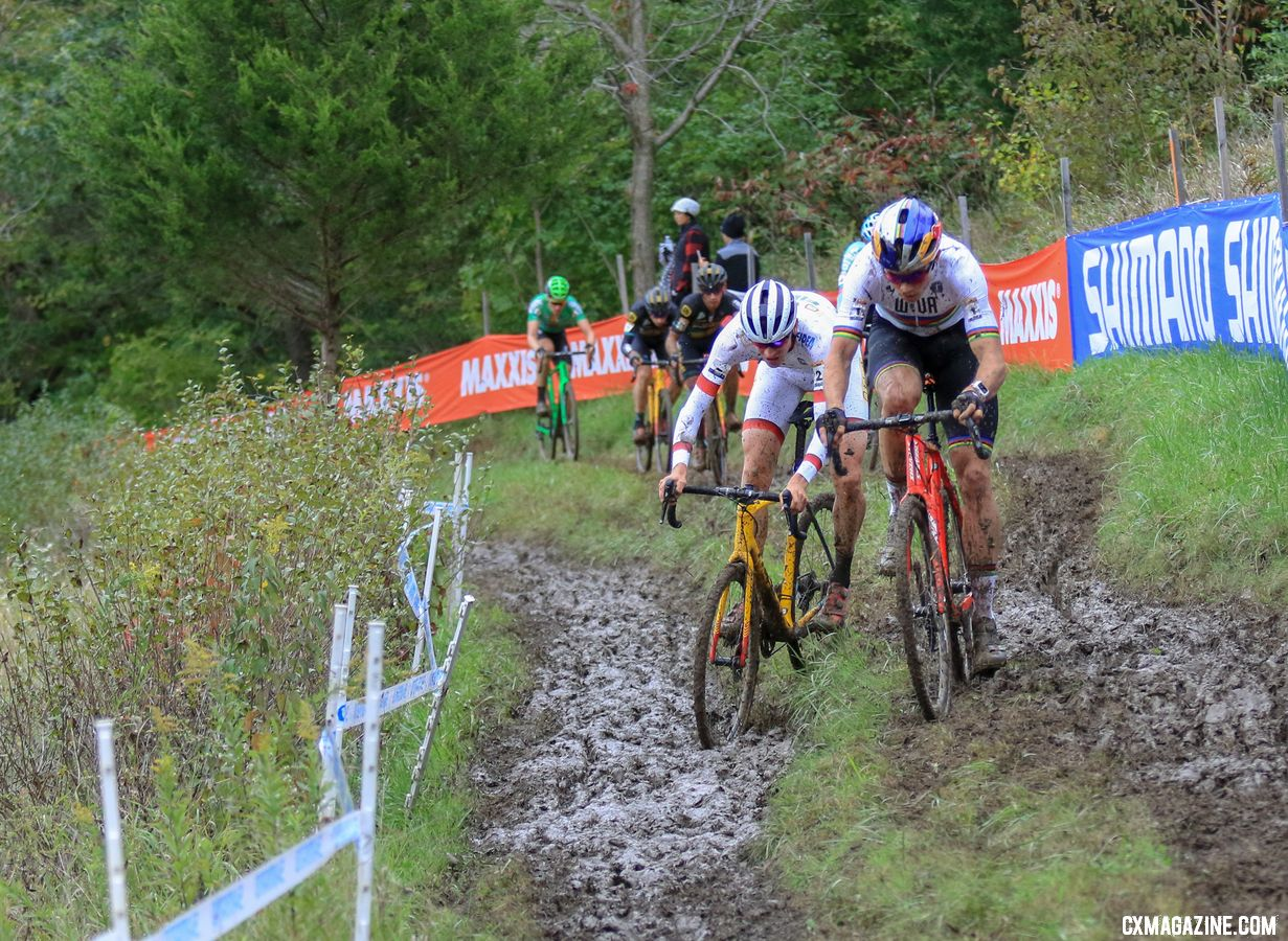 This doubletrack off-camber proved decisive. 2018 Jingle Cross World Cup. © D. Mable / Cyclocross Magazine
