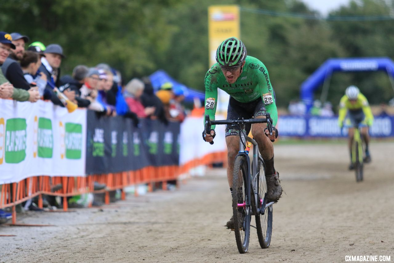 Gage Hecht leads Kerry Werner home. 2018 Jingle Cross World Cup. © D. Mable / Cyclocross Magazine
