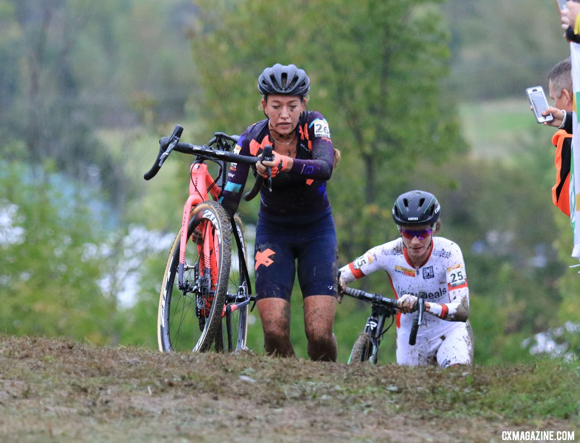 For much of the race, the Dutch pair of Sophie de Boer and Marianne Vos battled for second, until Evie Richards surged past. 2018 Jingle Cross World Cup. © D. Mable / Cyclocross Magazine