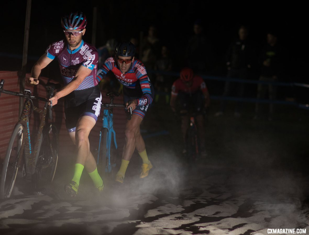 Ortenblad led Driscoll through the sand. 2018 RenoCross men's race. © A. Yee / Cyclocross Magazine