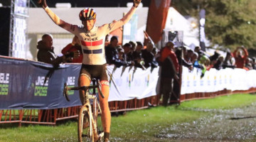 Helen Wyman wins 2018 Jingle Cross Day 1 UCI C2. © D. Mable / Cyclocross Magazine