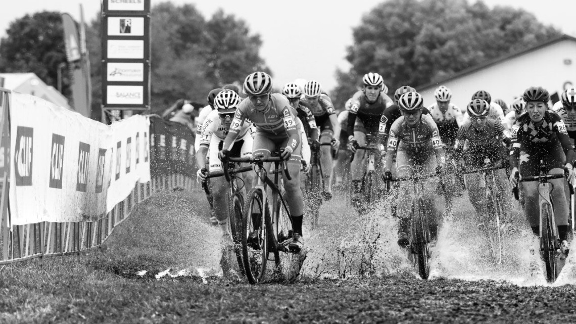 Eva Lechner leads the holeshot on Saturday. 2018 Jingle Cross World Cup. © D. Mable / Cyclocross Magazine