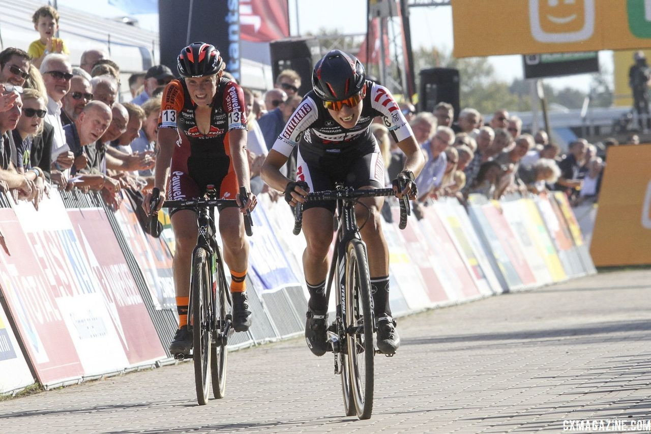 Alice Maria Arzuffi beat Loes Sels to the line for third. 2018 Superprestige Gieten. © B. Hazen / Cyclocross Magazine