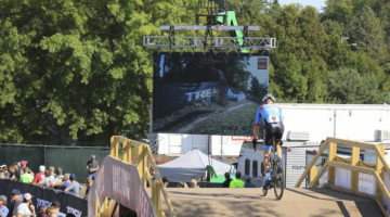 Big screens helped fans (and maybe racers) keep tabs on the front of the race. 2018 World Cup Waterloo. © D. Mable / Cyclocross Magazine