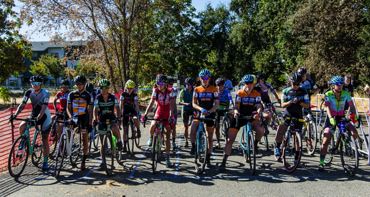 Elite Women set to race in West Sac. 2018 West Sacramento Cyclocross Grand Prix Day 2. © L. Lamoureux