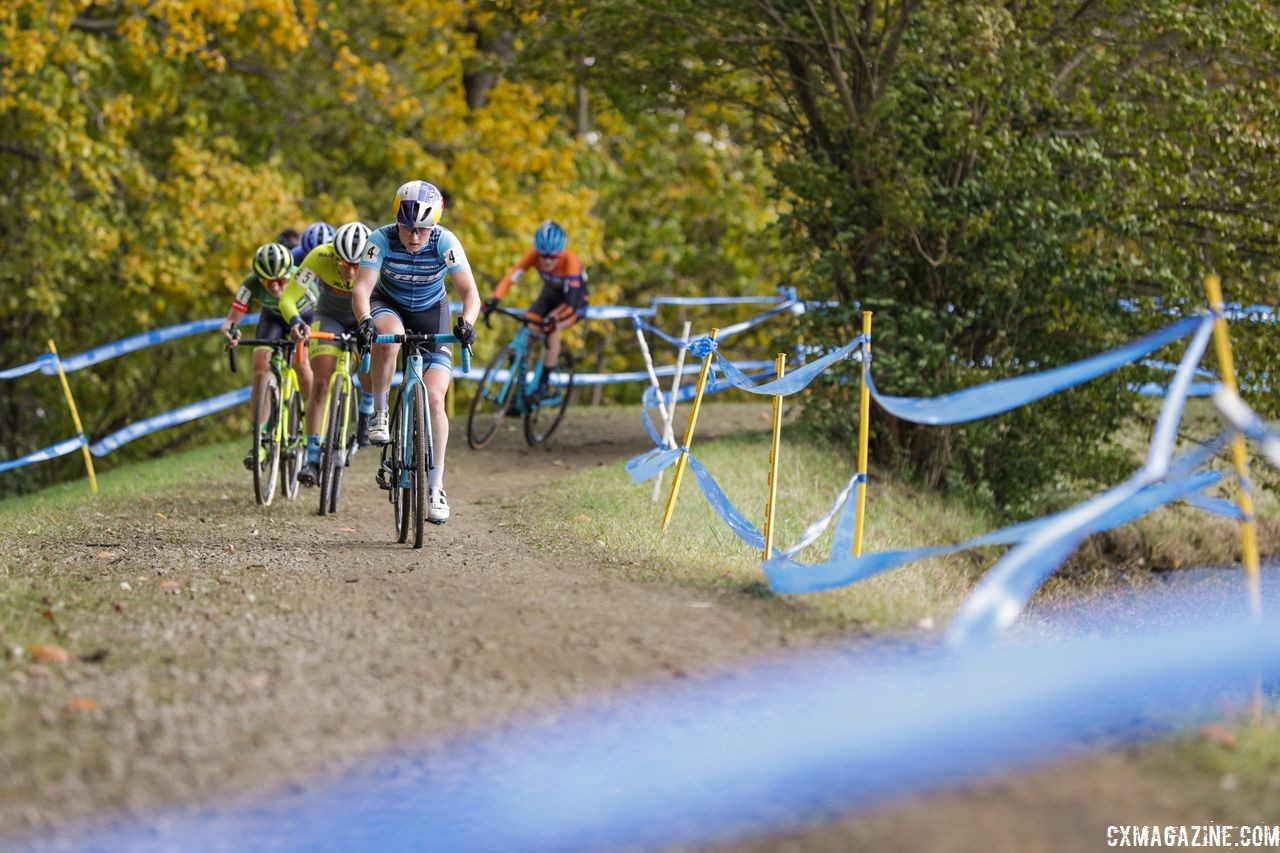 Noble leads a group early on. 2018 Cincinnati Cyclocross Day 2. © B. Buckley / Cyclocross Magazine