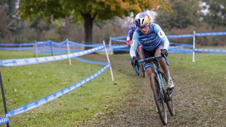 Ellen Noble leads Nash. 2018 Cincinnati UCI Cyclocross Day 1. Elite Women. © Bruce Buckley