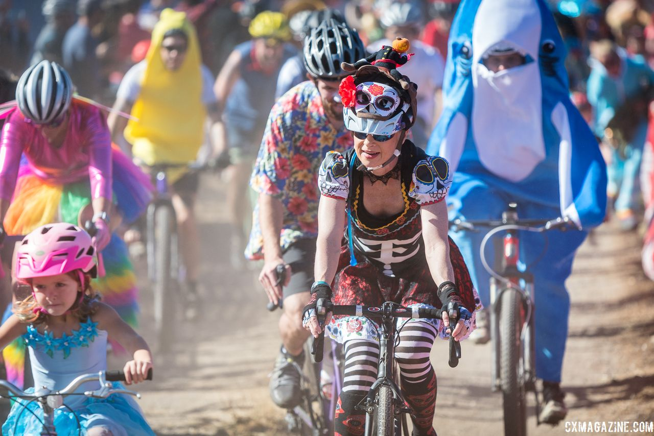 Lots of the racers got in the Halloween spirit. 2018 Surf City Rock Lobster Cup. © J. Vander Stucken / Cyclocross Magazine