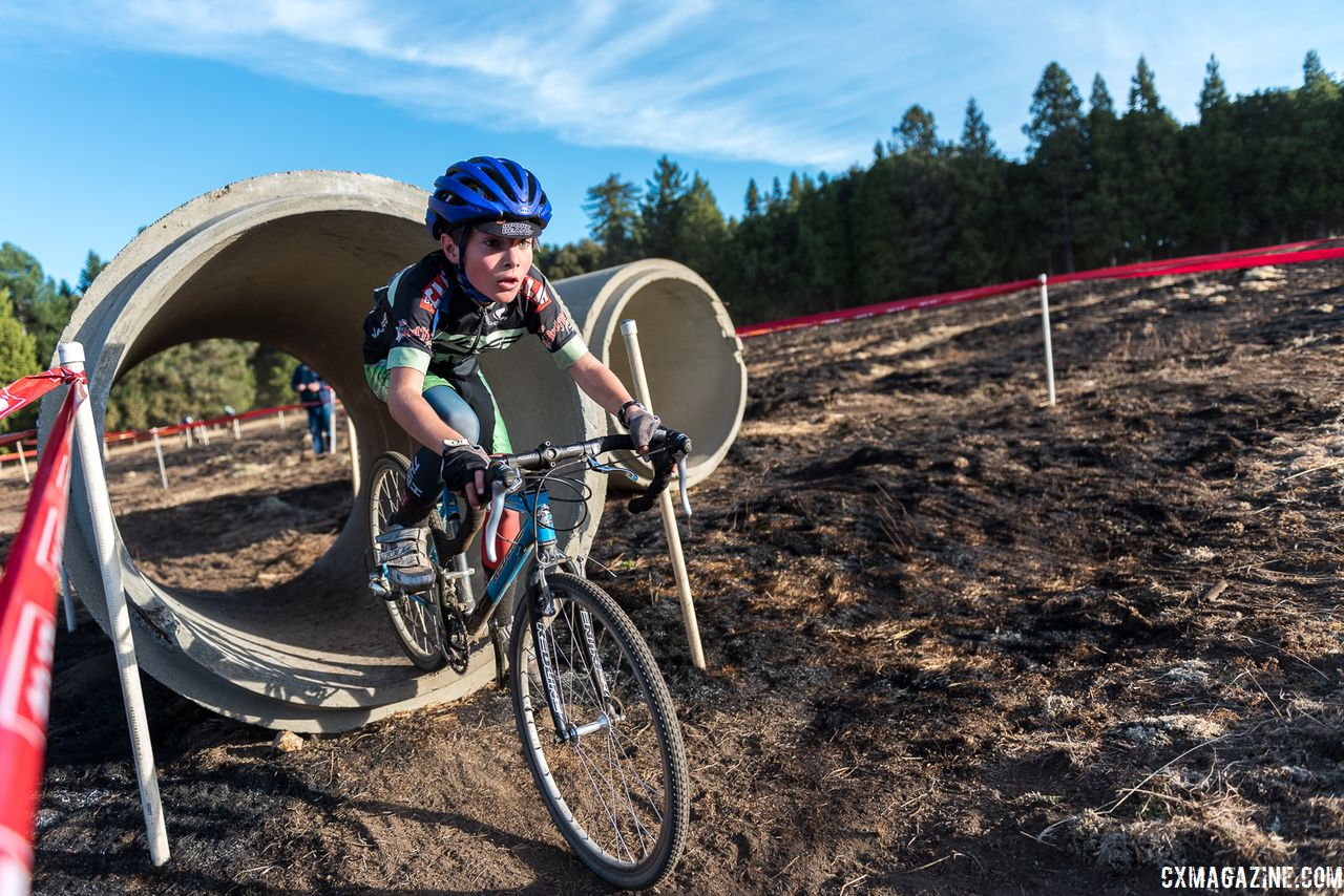 The Juniors were the right size for the culvert crossing. 2018 Surf City Rock Lobster Cup. © J. Vander Stucken / Cyclocross Magazine