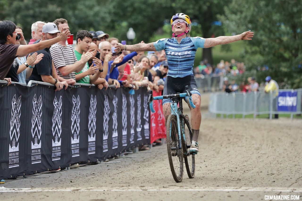 Ellen Noble flew to a 2018 Charm City Cyclocross win on Day 1. © Bruce Buckley