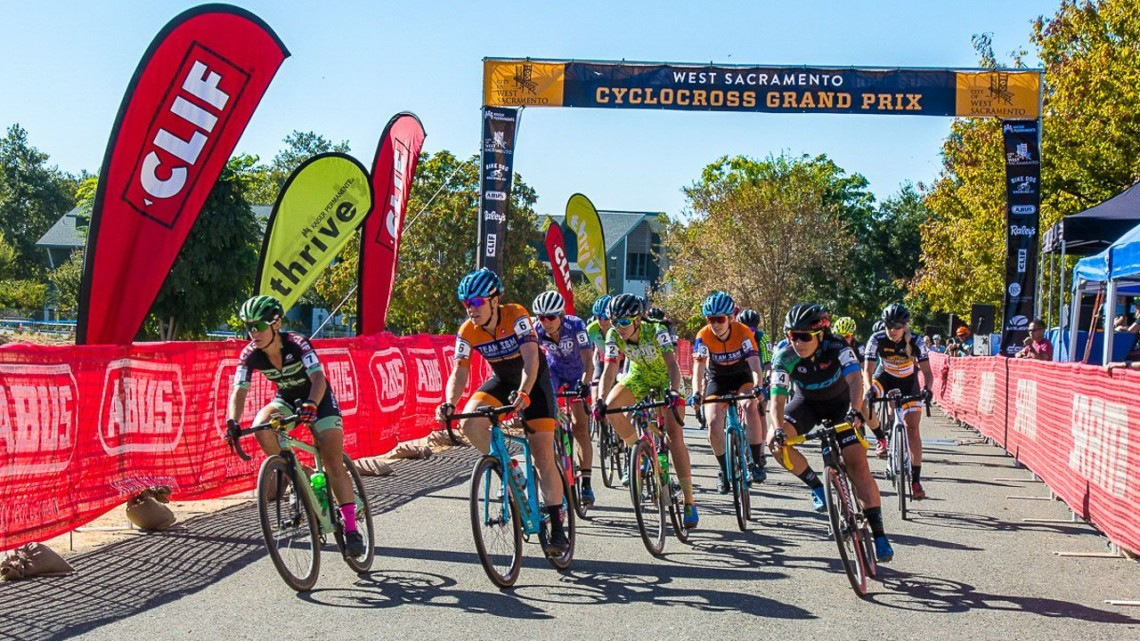 Caroline Nolan grabs the holeshot. 2018 WSCXGP Day 1. © L. Lamoureux