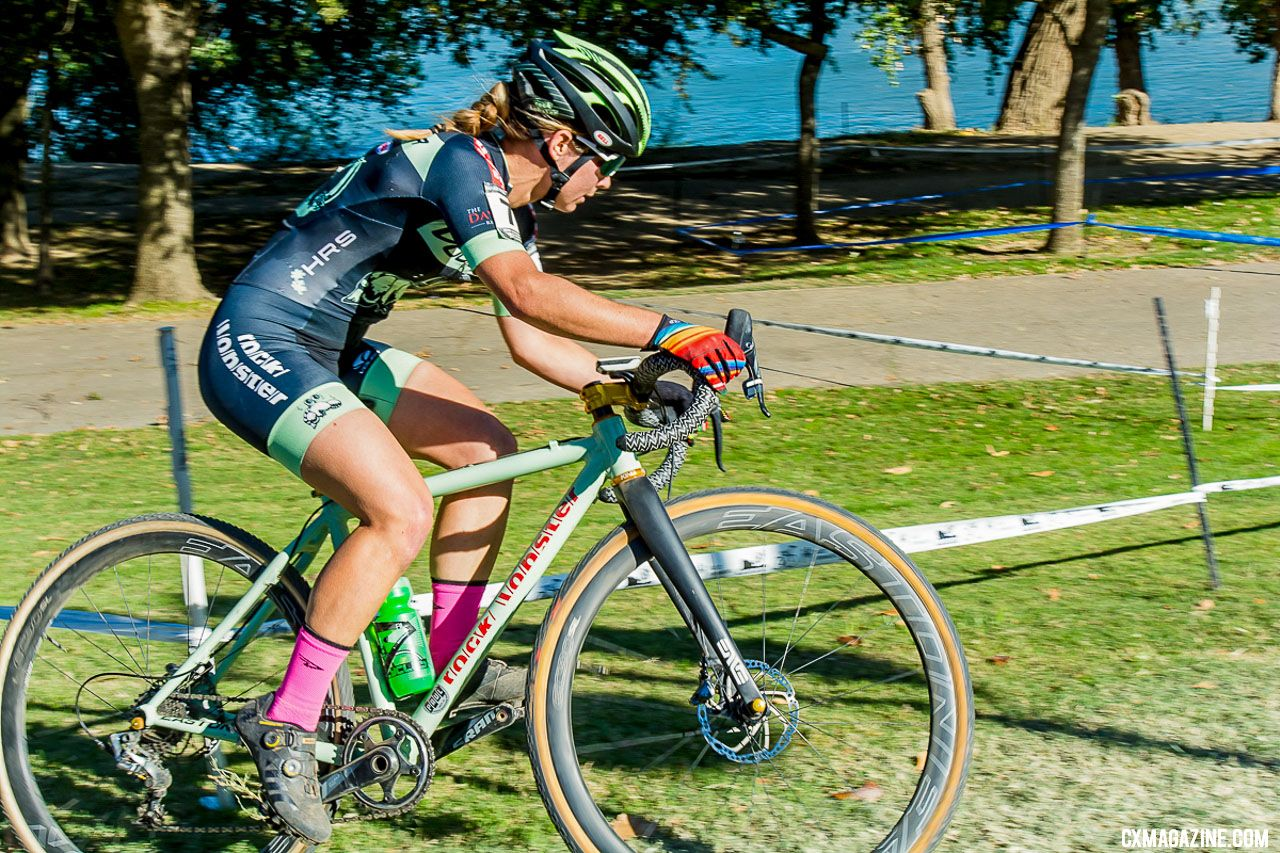 Caroline Nolan battled for second. 2018 WSCXGP Day 1. © L. Lamoureux