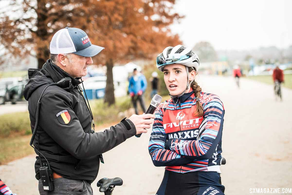 Scot Herrmann interviews Sofia Gomez Villafane at the 2018 Major Taylor Cross Cup Day 2. © Mike Almert, Action Images Indy