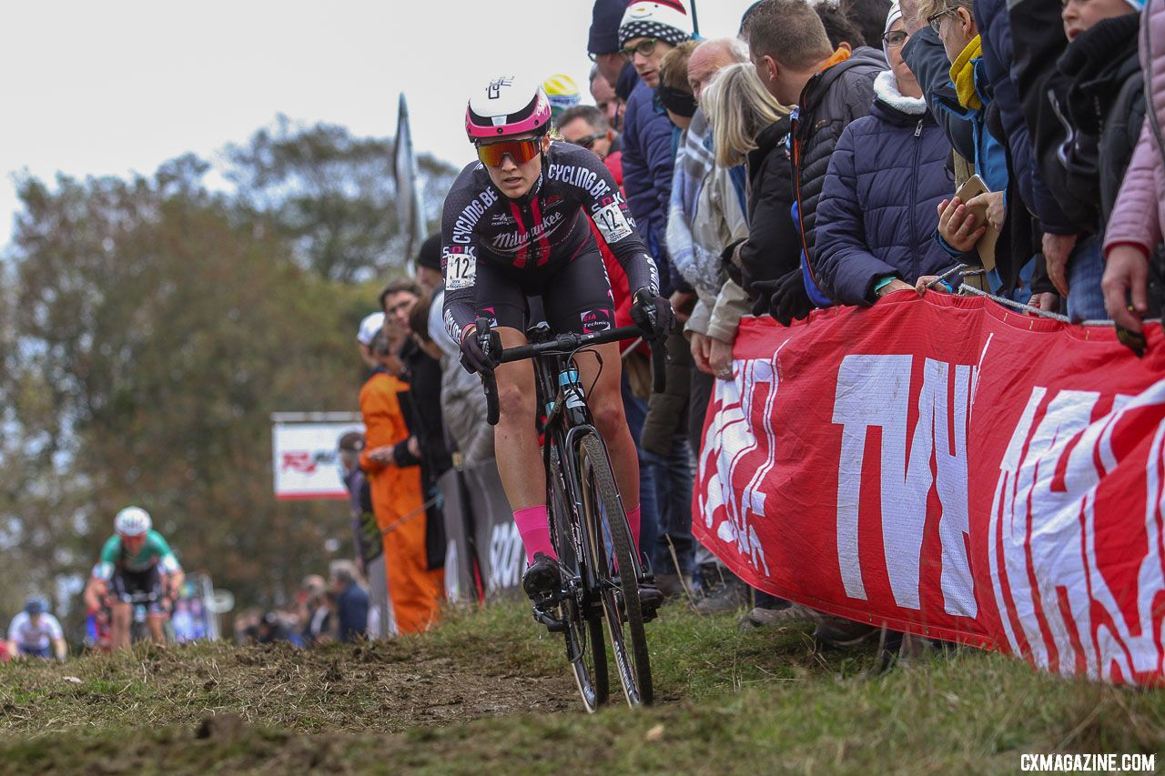 For the second year in a row, Elle Anderson finished in the top ten. 2018 Koppenbergcross Elite Women. © Bart Hazen / Cyclocross Magazine