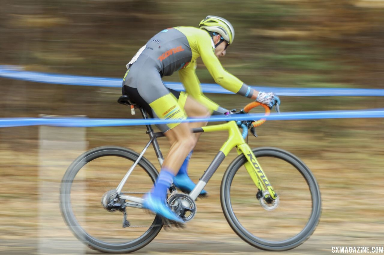The Kona Maxxis Shimano kit matches the Super Jake's colors again this year. 2018 Pan-American Cyclocross Championships, Midland, Ontario. © Z. Schuster / Cyclocross Magazine