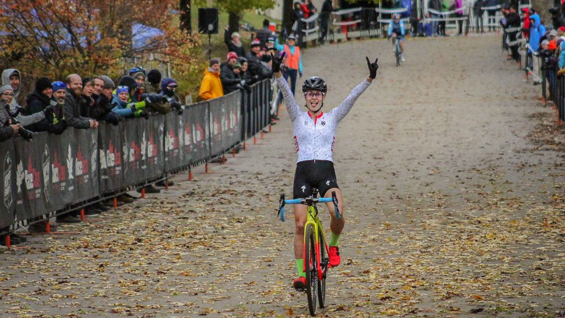 Maghalie Rochette gave Midland a case of CX Fever on Sunday. 2018 Pan-American Cyclocross Championships, Midland, Ontario. © Z. Schuster / Cyclocross Magazine