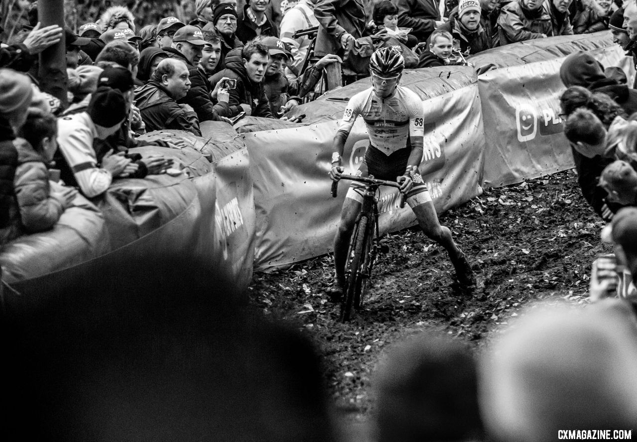 Japan's Tetsuki Kaji may have received more cheers than Van der Poel in his 2018 Superprestige Gavere debut. © A. Yee / Cyclocross Magazine