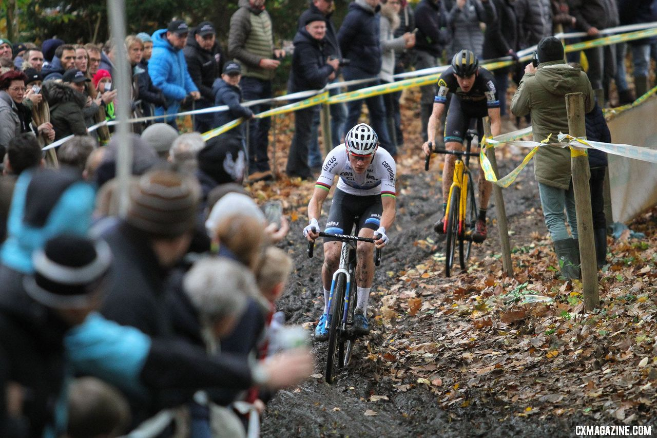 Mathieu van der Poel led wire-to-wire. 2018 Superprestige Gavere. © B. Hazen / Cyclocross Magazine