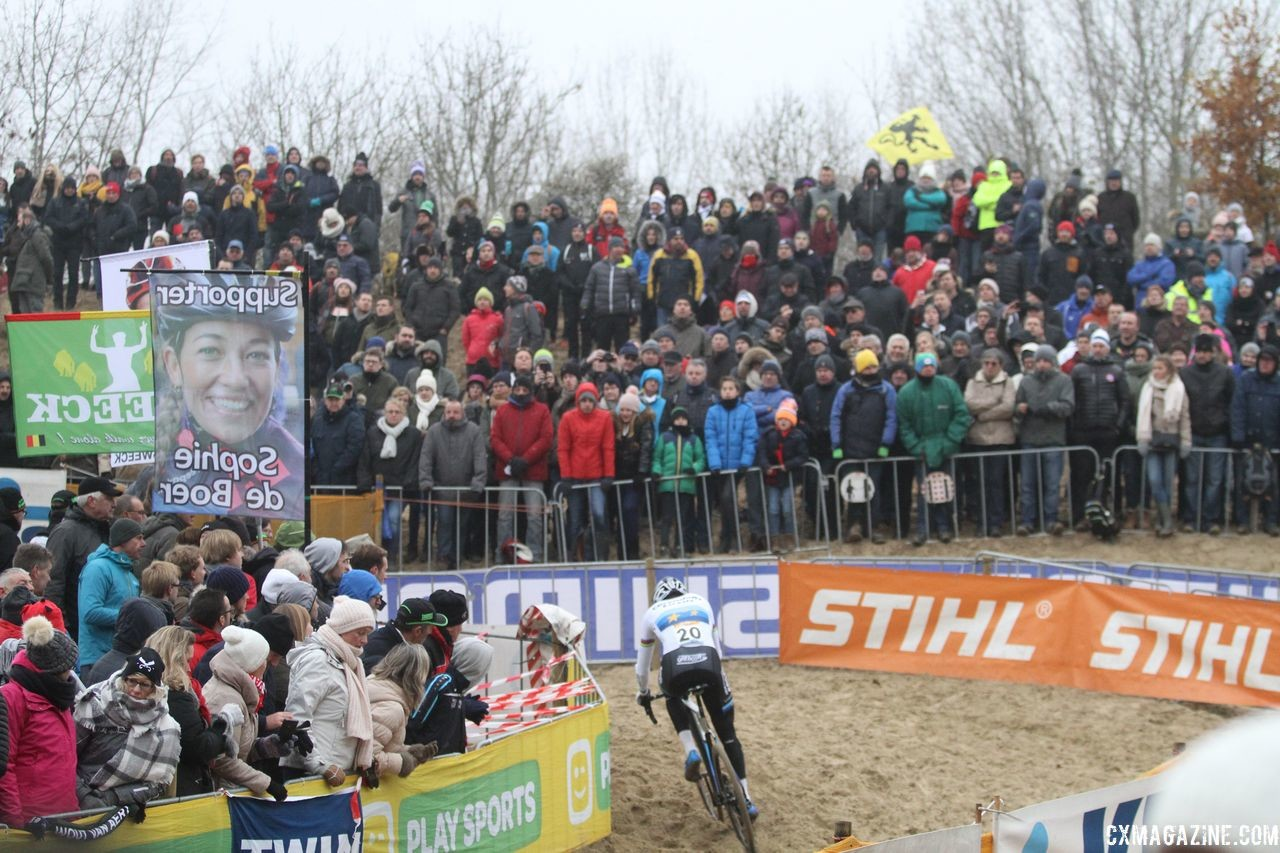 Fans watch on as Van der Poel dominates another World Cup. 2018 World Cup Koksijde. © B. Hazen / Cyclocross Magazine