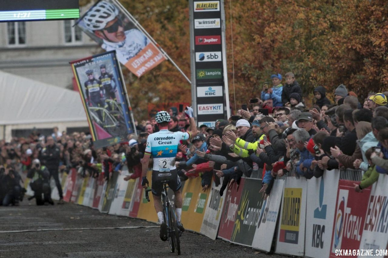 Van der Poel celebrates his win. 2018 Superprestige Gavere. © A. Yee / Cyclocross Magazine